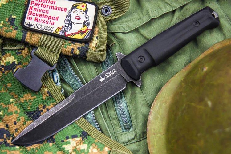 Нож Trident AUS-8, StonewashНожи Кизляр<br>Полная длина 283Длина клинка 150Толщина клинка 4,75Ширина клинка 30Длина рукояти 133Толщина рукояти 20,5Материал клинка AUS-8Обработка клинка СтоунвошТвердость 57-59 HRCВес Ножи - 0,270 кг, чехол - 0,160 кгМатериал рукояти KratonКомплектация Нож, чехол с многофункциональным креплением Molle, темляк, подарочная упаковкаПожизненная гарантия от заводских дефектов<br>Смотреть все охотничьи и туристические ножи<br>