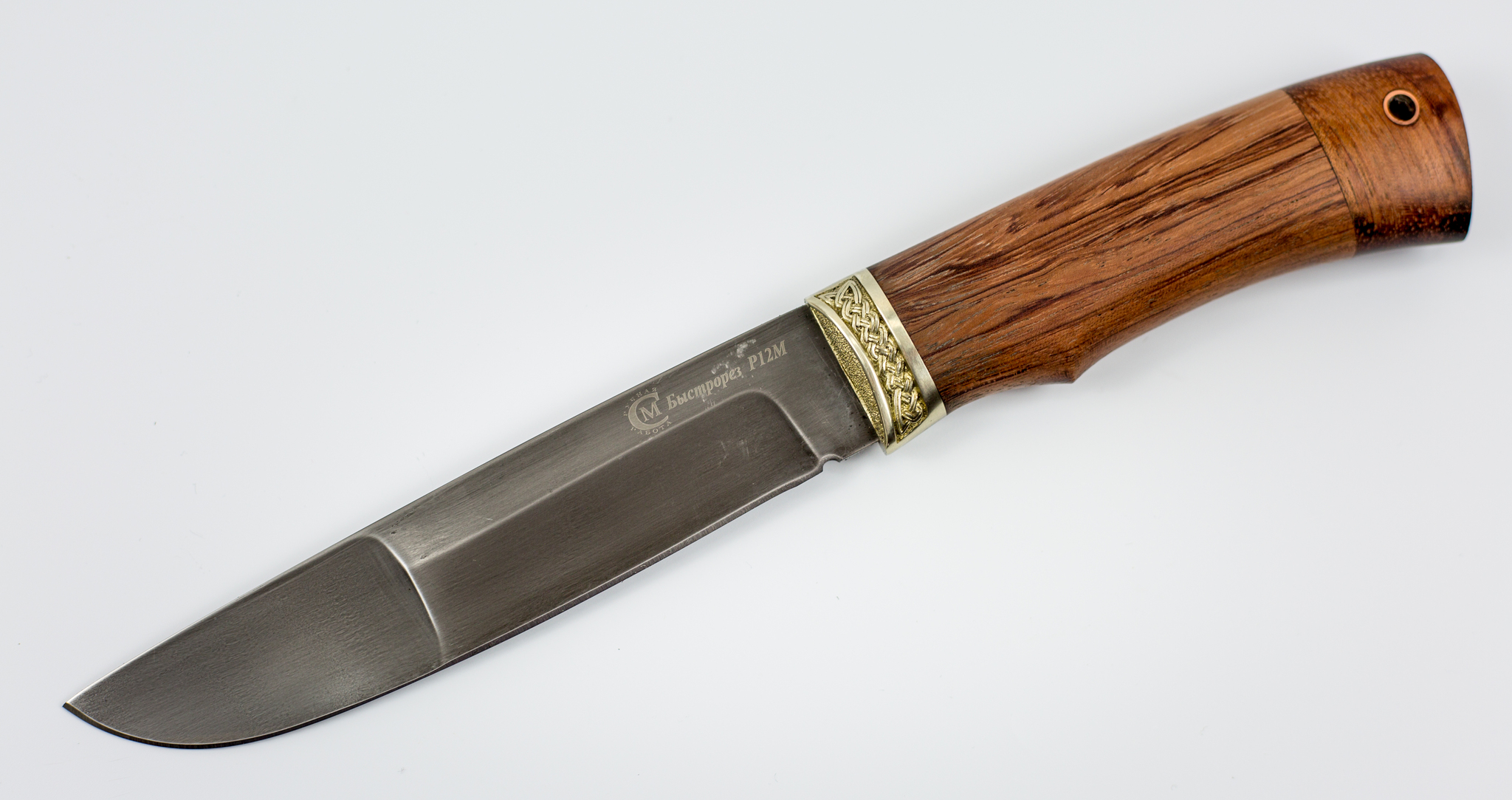Нож Путник, быстрорез Р12МНожи Ворсма<br>Сталь Р12М - быстрорезРукоять ГрабОбщая длина, мм 274Длина клинка, мм 153Ширина клинка, мм 30,9Толщина клинка, мм 3,8Длина рукояти, мм 121Толщина рукояти, мм 22,5Твёрдость клинка, HRC 62<br>
