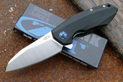 Складной нож Zero Tolerance 0456 ReplicaРаскладные ножи<br>марка стали: 9Cr18MoVтвёрдость: HRC57-58длина общая: 195ммдлина клинка: 82ммширина клинка наибольшая: 33ммтолщина обуха: 4ммвес: 148.1гртип замка: liner lockМеханизм открытия: IKBS (шарикоподшипниковая система)<br>