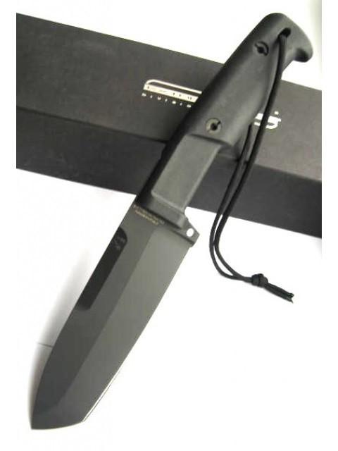 Нож с фиксированным клинком + набор для выживания Selvans, Green SheathНожи Танто<br>Нож с фиксированным клинком + набор для выживания Selvans, Desert Sheath, клинок черный, рукоять черная, чехол зеленый корд-нейлон+свисток, карманная цепная пила, таблетки для дезинфекции воды, компас, кремень-огненый (для розжига огня без спичек и зажигалок), алмазный точильный брусок, фонарик, трос-стропа (2,5м).<br>