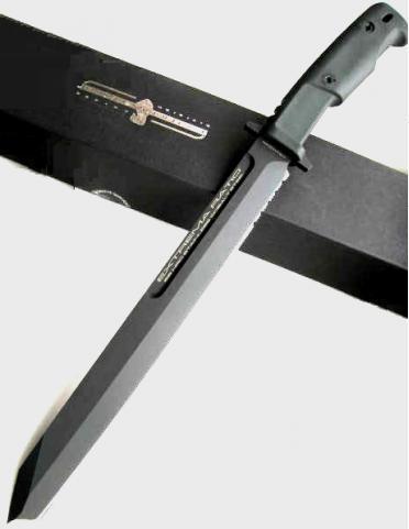 Нож Фулкрум Магнум черныйНожи Танто<br>Нож Фулкрум Магнум, клинок треугольный черный, рукоять черная резина, пластиковый чехол.<br>