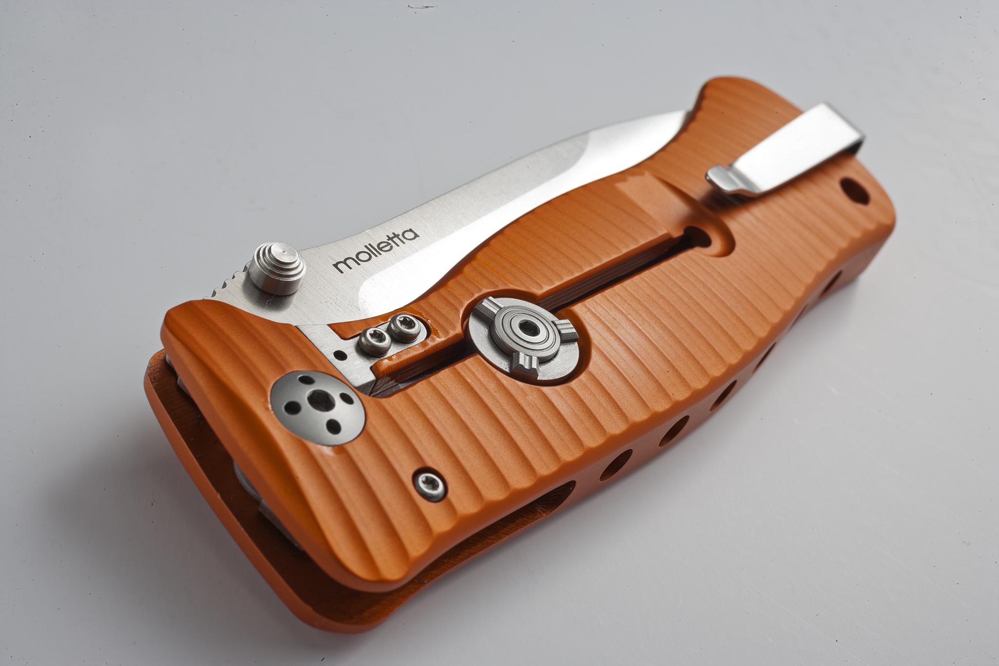 Фото 3 - Нож складной LionSteel SR1A OS ORANGE, сталь D2 Satin Finish, рукоять алюминий (Solid®), оранжевый от Lion Steel