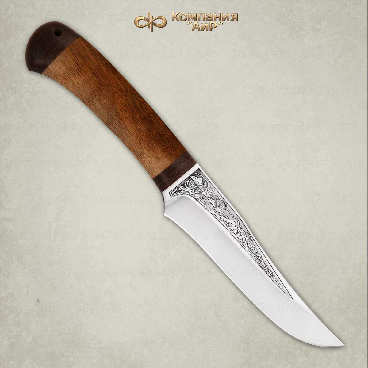 Нож Восток, дерево, 100х13мНожи Златоуст<br>Небольшой универсальный, легкий и прочный нож склинком ятаганной формы, имеющим вогнутые линзовидные спуски от середины ширины клинка. Клинок с толщиной обуха в 3 мм имеет широкую голомень, что придает ему дополнительную прочность. Удобная форма рукояти позволяетуверенно работать ножом. А пята клинка, заменяющая упор, не дает соскользнуть пальцам при резах от себя. Монтаж клинка сквозной, неразборный. Хороший выбор для большинства видов работы в лесу.<br>В комплекте:<br><br>кожаные ножны<br>сертификат соответствия о том, что нож не является холодным оружием<br>паспорт изделия<br>мягкий текстильный кейс с логотипом компании<br>
