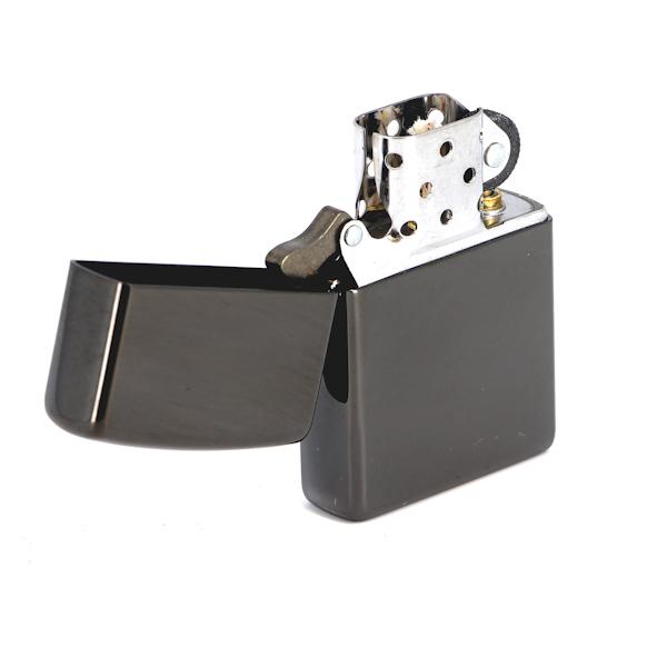 Фото 2 - Зажигалка ZIPPO Classic с покрытием Ebony™, латунь/сталь, чёрная, глянцевая, 36x12x56 мм