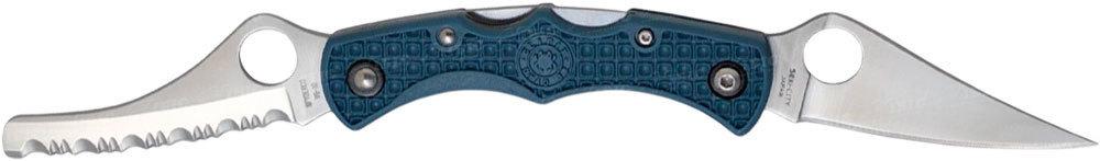 Нож складной Dyad Jr.Раскладные ножи<br>В 1999-ом году модель Dyad Jr. уже была выпущена на рынок, но позже была снята с ассортимента, уступив место более современным моделям. Сейчас компания Spyderco вновь дает возможность всем ценителям ножей стать обладателями этого оригинального складного ножа с двумя клинками, осуществив лимитированный выпуск модели Dyad Jr.Dyad Jr. позволяет стать владельцем одновременно двух ножей Spyderco в одном корпусе. Первый клинок классической формы «clip-point»с вогнутыми спусками режущей кромки – для выполнения типичных задач для карманного ножа. Второй – в форме «sheep-foot» (с закругленным острием) с режущей кромкой «серрейтор» будет полезен для специфических заданий – при работе с грубыми и твердыми материалами, а также в экстремальных ситуациях – для быстрого перерезания ремней безопасности, канатов, тросов, высвобождении из одежды и т.д. Оба клинка изготовлены из высококлассной японской нержавеющей стали VG-10, каждый фиксируется своим независимым замком запирания «бэклок» (back-lock). Рукоятка из упрочненного нейлона (FRN) в силу своей легкости не утяжеляет весь нож, при этом обеспечивая комфортное и надежное удержание при работе с любым клинком. Клипса отсутствует.<br>
