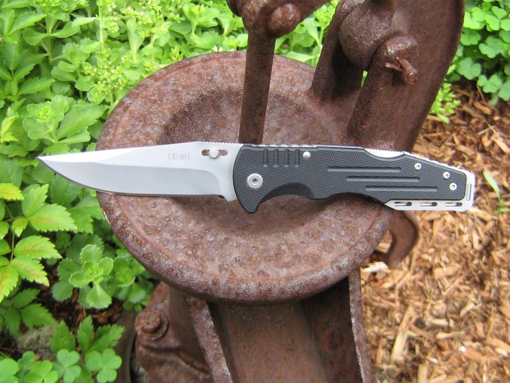 Складной нож Salute, SOG, 9.2 см.