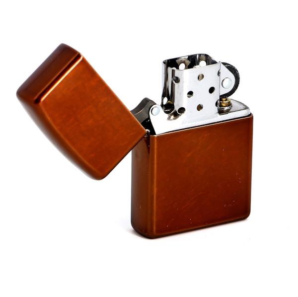 Фото 2 - Зажигалка ZIPPO Classic с покрытием Toffee™, латунь/сталь, светло-коричневая, матовая, 36x12x56 мм
