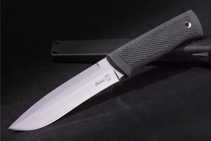 Нож Филин, КизлярНожи Кизляр<br>Универсальный нож Филин, Кизляр позволит легко разделать даже крупную добычу. Разделочный нож Сова от известного российского производителя Кизляр имеет клинок средней длины из японской стали AUS-8 с вогнутой заточкой. Такая особенность позволяет отменно держать заточку и обеспечивает хорошую глубоко проникающую способность. Рукоять ножа, за счет покрытия из эластрона, будет прочно сидеть даже в мокрой или жирной руке.Каждому охотнику непременно стоит купить кизлярский нож Филин! С ним процесс разделки туши станет максимально комфортным и быстрым.<br>