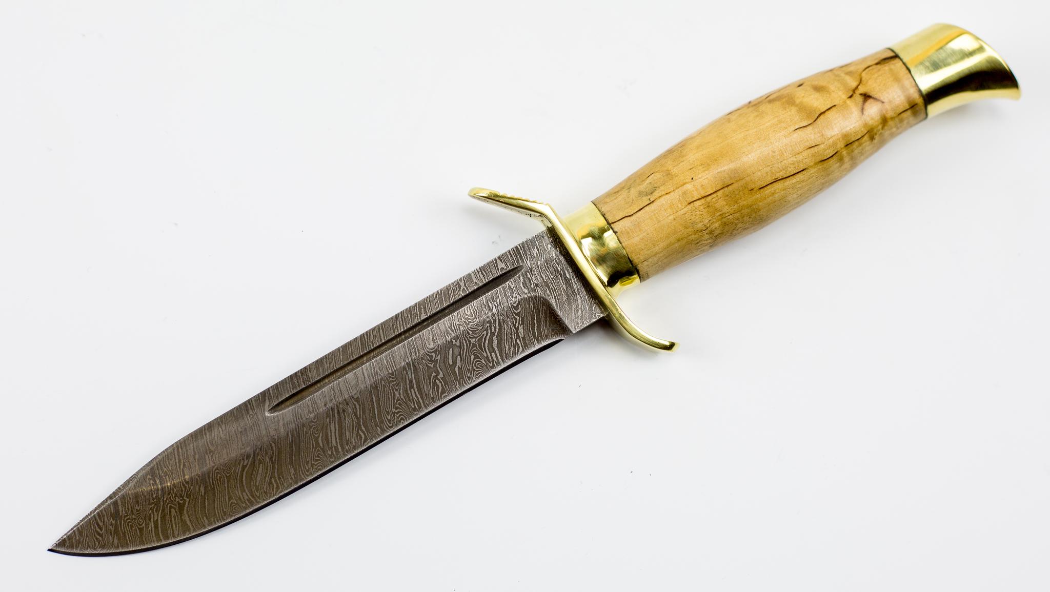 Нож НР-40 дамаск, карельская березаНожи Ворсма<br>Модель: НР-40Сталь клинка: ДамаскМатериал гарды:ЛатуньМатериал рукояти: Карельская березаТвердость клинка (HRC): 62Общая длина (мм): 270Длина клинка (мм): 150Длина рукояти (мм): 117Ширина клинка (мм): 24Толщина рукояти (мм): 23Толщина обуха (мм): 2,4<br>Смотреть все ножи разведчика НР и финки НКВД.<br>