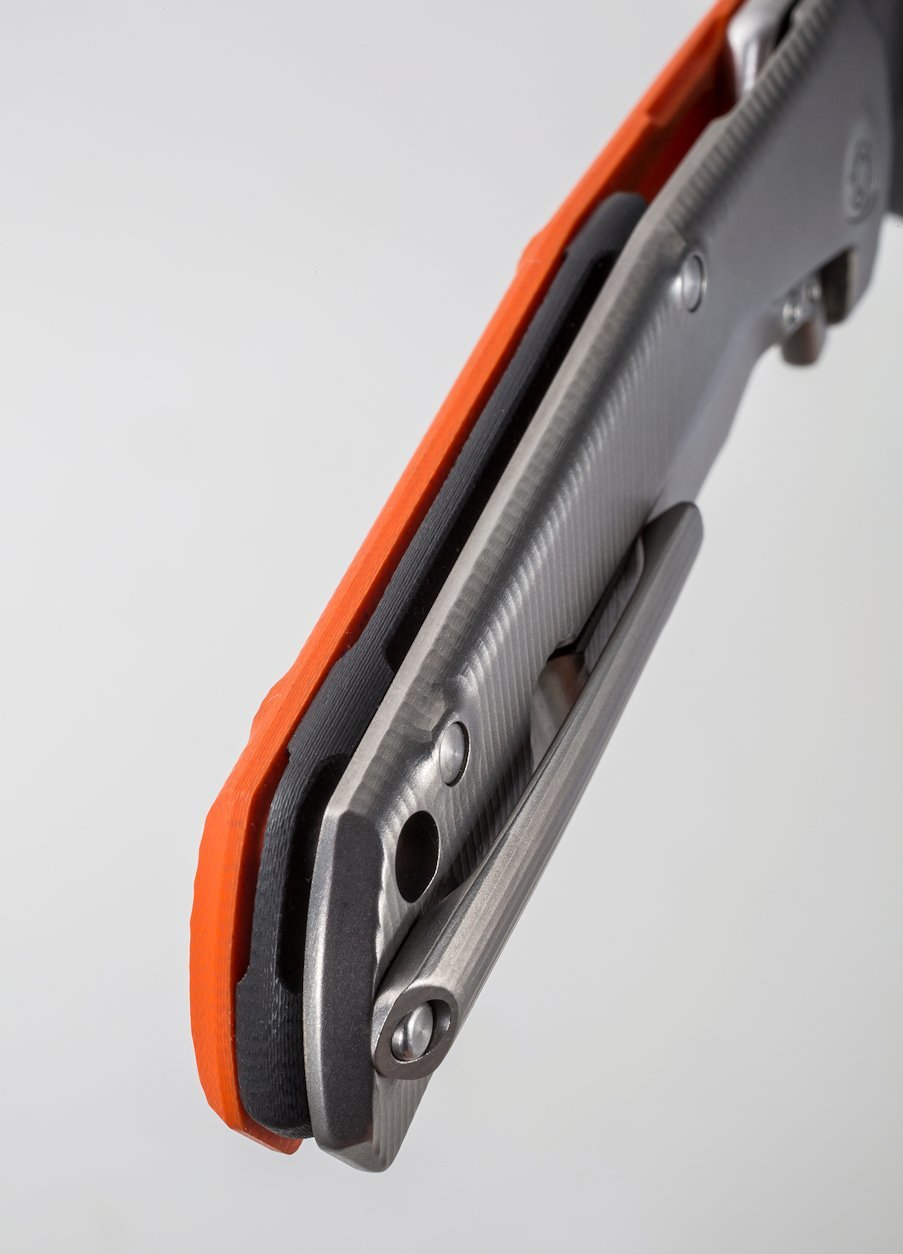 Фото 3 - Нож складной T.R.E. - Three Rapid Exchange (IKBS® Flipper), Orange G10/Matte Titanium Handle от Lion Steel