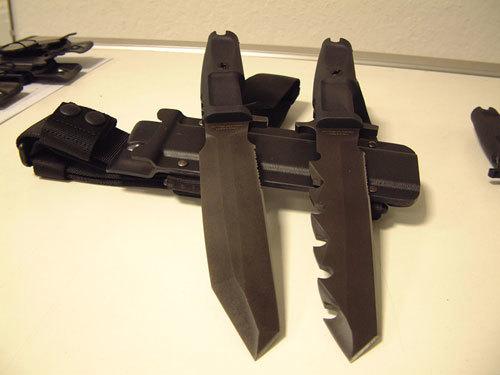 Фото 2 - Нож с фиксированным клинком Extrema Ratio Golem Small Sand Blasted, сталь Bhler N690, рукоять пластик