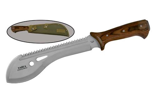 Мачете Тайга, НоксНожи Ворсма<br>Oбщая длина- 390 мм Длина клинка- 245 мм Толщина клинка- 4,6 Сталь- 440Рукоять- деревоНейлоновые ножны<br>Нож Тайга Нокс. Упрощенная версия ножа спасателя УВСР. (Тайга-1).УВСР (Тайга-1) - это один из культовых русских ножей. Он выпускается уже более 20 лет и на сегодняшний день является, наверное, самым распространённым ножом выживания в мире. У Тайги - хорошая родословная. В разных вариантах она использовалась в ВВС, в ГРУ и Внутренних войсках. Воевала на Кавказе и в Югославии. Это первый русский нож, который стал поставляться на экспорт в США. При этом Тайга постоянно совершенствуется. Современные версии Тайги, выпускаемые НОКС, изготовлены с учётом её реального использования, как на войне, так и в экстремальных ситуациях, в которые попадали её пользователи. Конструкция выполняется более простой и более надёжной.<br>