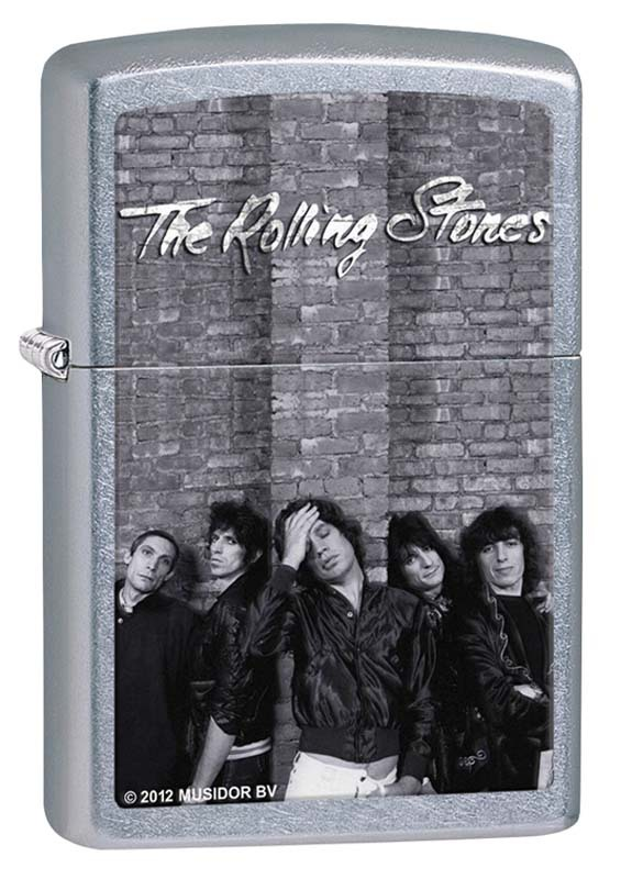 Зажигалка ZIPPO Rolling Stones®, латунь с покрытием Street Chrome™, серебристая, 36х12x56 ммЗажигалки Zippo<br>Зажигалка ZIPPO, латунь с покрытием Street Chrome™, серебристая с изображением группы Rolling Stones, матовая, 36х12x56 мм<br>