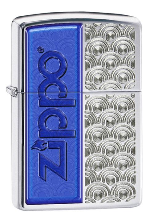 Зажигалка ZIPPO Classic, латунь с покрытием High Polish Chrome, серебристый/синий, 36х12x56 ммЗажигалки Zippo<br>Зажигалка ZIPPO Classic, латунь с покрытием High Polish Chrome, серебряный/синий с символикой Zippo, глянцевая, 36х12x56 мм<br>