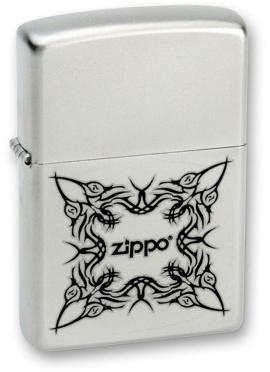 Зажигалка ZIPPO Tattoo Design Satin Chrome, латунь с ник.-хром. покрыт.,серебр.,матовая, 36х56х12ммЗажигалки Zippo<br>Зажигалка ZIPPO Tattoo Design Satin Chrome, латунь с никеле-хромовым покрытием, серебряный, матовая, 36х56х12 мм<br>