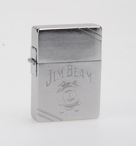 Зажигалка Zippo Jim Beam, латунь с покрытием Brushed Chrome, серый, матовая, 36х12x56 ммЗажигалки Zippo<br>Зажигалка Jim Beam<br>