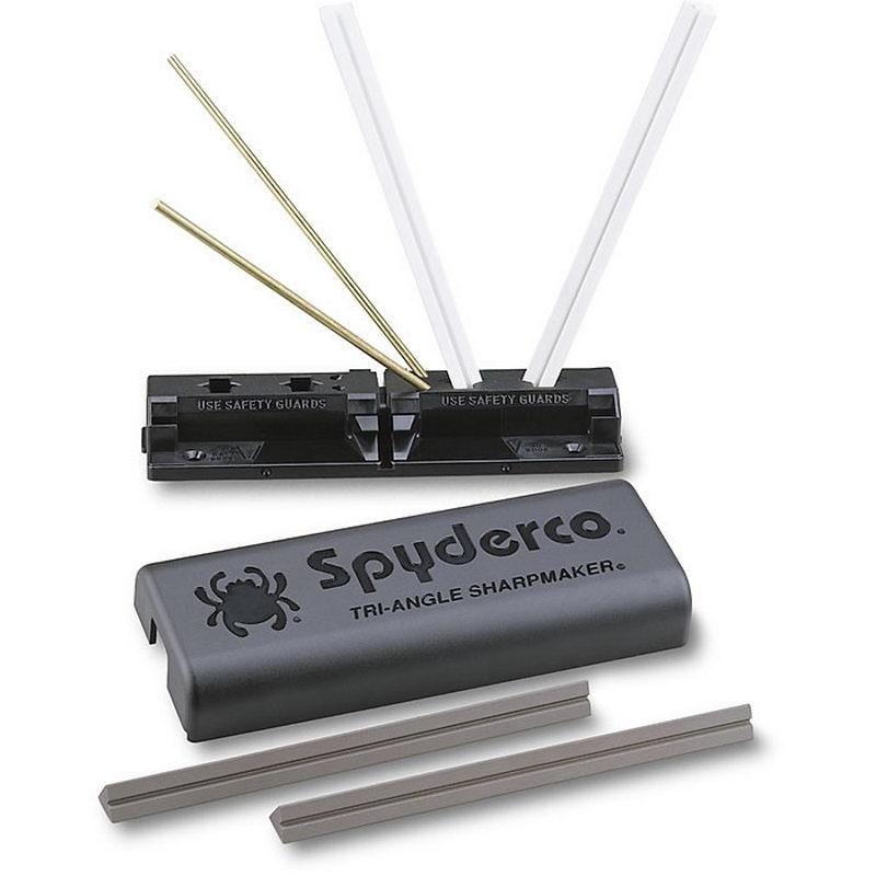 Набор для заточки Spyderco Tri-Angle Sharpmaker 204MFСтанки для заточки<br>В набор Spyderco 204MF входит: База из сверхпрочной пластмассы, в которой выполнены парковочные отверстия для точильных брусков, обеспечивающие качественную заточку режущей кромки Ваших ножей с углами заточки 30 и 40 градусов. В базе также предусмотрены парковочные отверстия для использования Triangle Sharpmaker для заточки кромок ножниц с углом 12.5 градусов. База Triangle Sharpmaker оборудована захватами, в которых можно в горизонтальном положении зафиксировать два сложенных вместе бруска, получив тем самым классический точильный камень. В комплект входят четыре точильных бруска из алюмооксидной керамики.<br> Бруски (2 шт.) коричневого цвета, предназначены для грубой заточки режущей кромки ножа, два остальных (белые) – для мягкой и окончательной доводки режущей кромки. Бруски имеют треугольное сечение, что позволяет одинаково качественно производить ими прямую и серрейторную заточку режущей кромки. Помимо этого, на одной из сторон каждого бруска выполнено углубление, с помощью которого Вы легко сможете заточить затупившиеся рыболовные крючки, кромки плоских отверток или шило.<br> В набор также входит диск по эксплуатации Spyderco Tri-Angle Sharpmaker, где подробно расказано и показано как заточить Ваши любимые ножи!<br>