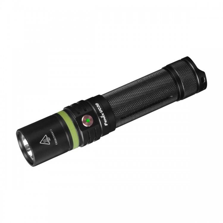 Фонарь Fenix UC30 2017 Cree XP-L HI V3Бренды ножей<br>Fenix UC302017 подходит практически для всех случаев, когда необходимо воспользоваться дополнительным освещением. Это ручной фонарь с высоким уровнем защиты от любого нежелательного внешнего воздействия. Он сделан водонепроницаемым (до уровня стандарта IPX-8), алюминиевый корпус хорошо защищает фонарь от ударов. Данная модель подходит и для поездок на природу, и для обыкновенного повседневного использования.<br>Fenix UC302017 работает на основе качественного диода Сree одного из последних поколений - XP-L HI V3. Этот диод дает 1000 люмен света и возможность использовать 6 различных режимов. В распоряжении владельца фонаря 5 уровней яркости и еще один дополнительный режим, который поможет подавать хорошо видные световые сигналы даже на большое расстояние.<br>Для удобства пользователя, производители в лабораторных условиях замеряли все рабочие характеристики фонаря при условии использования того аккумулятора, который поставляется в базовом комплекте:<br><br>яркость Turbo: луч на 1000 люмен, общая продолжительность работы 1 час 25 минут с дистанцией освещения, равной 253 метра;<br>яркость High: луч на 350 люмен, общая продолжительность работы 3 часа 20 минут с дистанцией освещения, равной 2156 метров;<br>яркость Med: луч на 150 люмен, общая продолжительность работы 8 часов 45 минут с дистанцией освещения, равной 101 метр;<br>яркость Low: луч на 50 люмен, общая продолжительность работы 28 часов 25 минут с дистанцией освещения, равной 58 метров;<br>яркость Eco: луч на 5 люмен, общая продолжительность работы 150 часов с дистанцией освещения, равной 21 метра.<br><br>Таким образом, каждый пользователь может на собственное усмотрение выбирать нужные параметры освещения, регулируя как яркость, так и продолжительность работы фонаря.<br>В базовом комплекте с моделью Fenix UC302017 предлагается аккумулятор на 2600 мАч, формата 18650. Вместо него без проблем можно использовать и другой аналогичный по типоразмеру аккумулятор, л