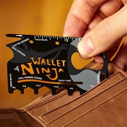 Мультитул Wallet Ninja 18 в 123 февраля<br>Мультитул-кредитка 16 в 1 Ninja станет отменным презентом каждому представителю мужского пола!<br>Мультитул Wallet Ninja - это миниатюрный и мультифункциональный инструмент, размер которого соответствует размеру обыкновенной кредитной карточкиа, а толщина составляет 2 мм. Металл из которого он сделан, устойчив к коррозии и является достаточно прочным, благодаря специальному составу стали и термической обработке.<br>Мультитул-кредитка 16 в 1 Ninja запросто поместится и вашем кошельке, и в кармане, и в сумке. В его состав входят все самые необходимые инструменты, которые могут пригодиться вам и в путешествии, и во время отдыха за городом, и просто в повседневной жизни.<br>Набор инструментов:<br>- консервный нож;<br>- линейка;<br>- открывалка для бутылок;<br>- нож канцелярский;<br>- нож для вскрывания конвертов;<br>- подставка для мобилки;<br>- отвертка крестовидная;<br>- плоская отвертка;<br>- квадратная отвертка;<br>- шестигранные отвертки разных размеров.<br><br>Размер мультитула wallet ninja: 8,5x5,5 см<br>