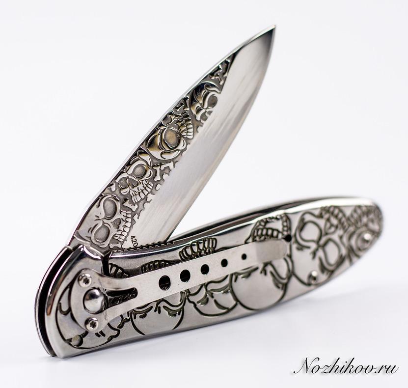 Складной нож ЧерепушкиРаскладные ножи<br>Oбщая длина- 201 мм Длина клинка- 83 мм Толщина клинка- 2,9 мм Сталь- 420Рукоять- металл<br>