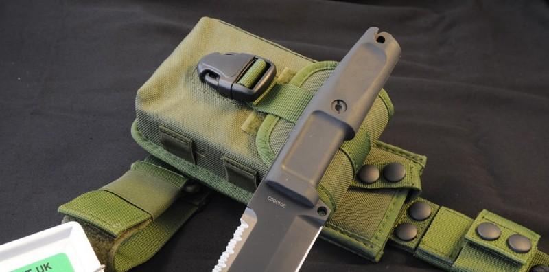 Фото 2 - Нож с фиксированным клинком + набор для выживания Extrema Ratio Ontos, Green Sheath (зеленый чехол), сталь Bhler N690, рукоять прорезиненный форпрен
