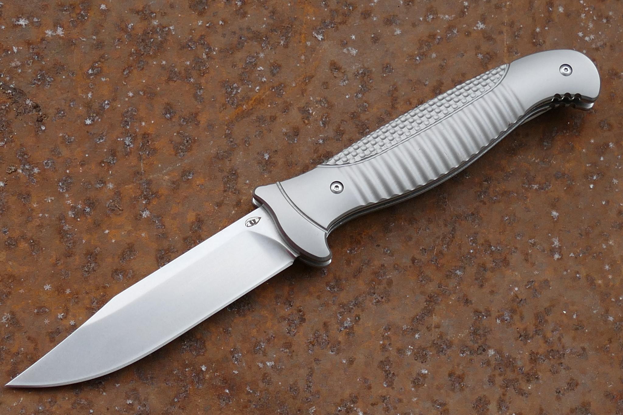 Складной нож Финка-3, S35VNРаскладные ножи<br>Складной нож Финка-3 S35VNРукоять и клипса: титановый сплав 6AL4VIKBS (шарикоподшипниковая система)каждый нож имеет свой номерДизайн Рогожкин Андрей<br>