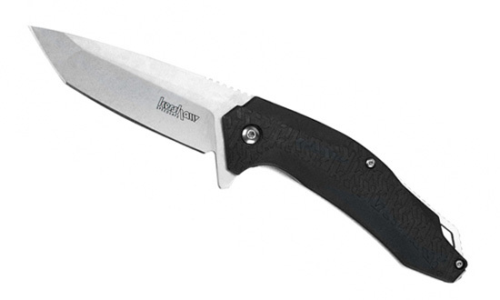 Нож складной KERSHAW FreefallРаскладные ножи<br>3840 FreeFall обладает качествами тактического ножа с рукоятью под глубокий хват. Лезвие сконструировано в форме танто, режущая кромка слегка изогнута для улучшения режущих характеристик. Нержавеющая сталь 8Cr13MOV с твердостью 58 HRc способна долго удерживать заточку, покрытие стоунвош придает антибликовое свойство, а также защищает лезвие от потертостей. За открытие клинка отвечает система SpeedSafe. Изогнутая форма рукояти повторяет контур ладони. Новая форма текстурирования K-Texture примененная компанией KERSHAW гарантирует цепкое удержание ножа в руке. Отверстие в хвостовой части рукояти позволяет продеть через него темляк или шнурок. Карманную клипсу возможно переставить для ношения ножа под левую или правую руку, кроме того имеется возможность регулировки прижимной силы путем смещения ее ближе к основанию рукояти. Это будет актуально, если толщина материала, на который вы будете крепить ваш нож, окажется толще или тоньше. Благодаря тактическому дизайну, удобной ручке и качественным материалам, 3840 FreeFall с легкостью справится с большинством повседневных задач как в городских, так и в полевых условиях.<br><br>Производитель: KERSHAW<br>Система открытия клинка: SpeedSafe<br>Сталь: 8Cr13MOV<br>Рукоять: текстолит, текстурирование K-Texture<br>Длина лезвия: 8,3 см.<br>Общая длина: 19 см.<br>Вес: 116,19 гр.<br>
