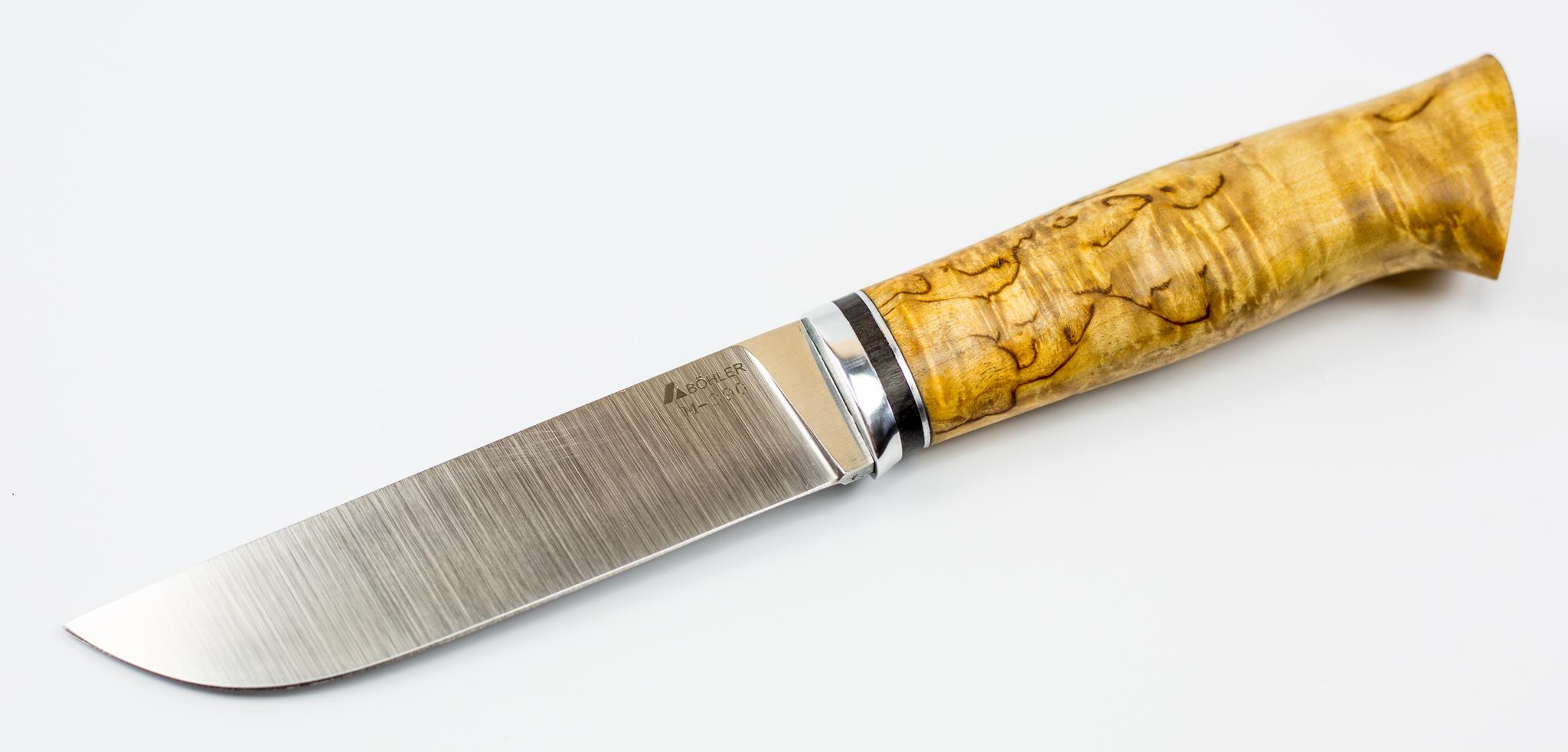 Туристический нож Граф, рукоять - карельская береза, сталь Bhler M-390Ножи Ворсма<br>Туристический нож Граф станет незаменим в походе, на рыбалке или охоте. Чехол из черной кожи, прошит крепкими нитками и надежно сохранит лезвие от повреждений. Клинок выполнен из первоклассной стали Bhler M-390, которая не боится слома и не поддается образованию ржавчины.  Режущая кромка оснащена двухсторонней симметричной заточкой, устойчивой к затуплению, а по мере необходимости легко правиться. Рукоять создана из прочной карельской березы. Поверхность светлого натурального цвета отлично ложится в ладонь и не скользит.<br>
