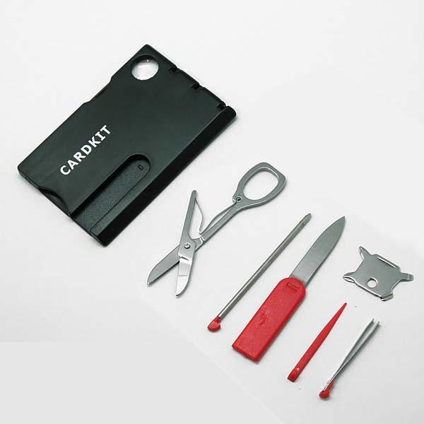 Мультиинструмент CardKit (12 в 1)23 февраля<br>Мультиинструмент CardKit 12 в 1 вы сможете взять с собой всегда и везде!Такой набор инструментов кредитка поместится и в бумажнике, и в кредитнице, а состоит из 12 инструментов. Он занимает совсем немного места и вы сможете взять его с собой и в командировку, и в длительную поездку, и на пикник. Набор инструментов кредитка выручит даже в непредвиденной ситуации и придет на помощь там, где другой набор инструментов не справится.Спешите купить мультиинструмент CardKit 12 в 1 и все самые необходимые инструменты всегда будут у вас под рукой!Набор инструментов кредитка состоит:- шариковая ручка,- линейка,- нож,- ножницы,- светодиодная лампа для сумки,- отвертки (2 крестовые, 2 плоские разных размеров),- лупа,- зубочистка,- пинцет.<br>