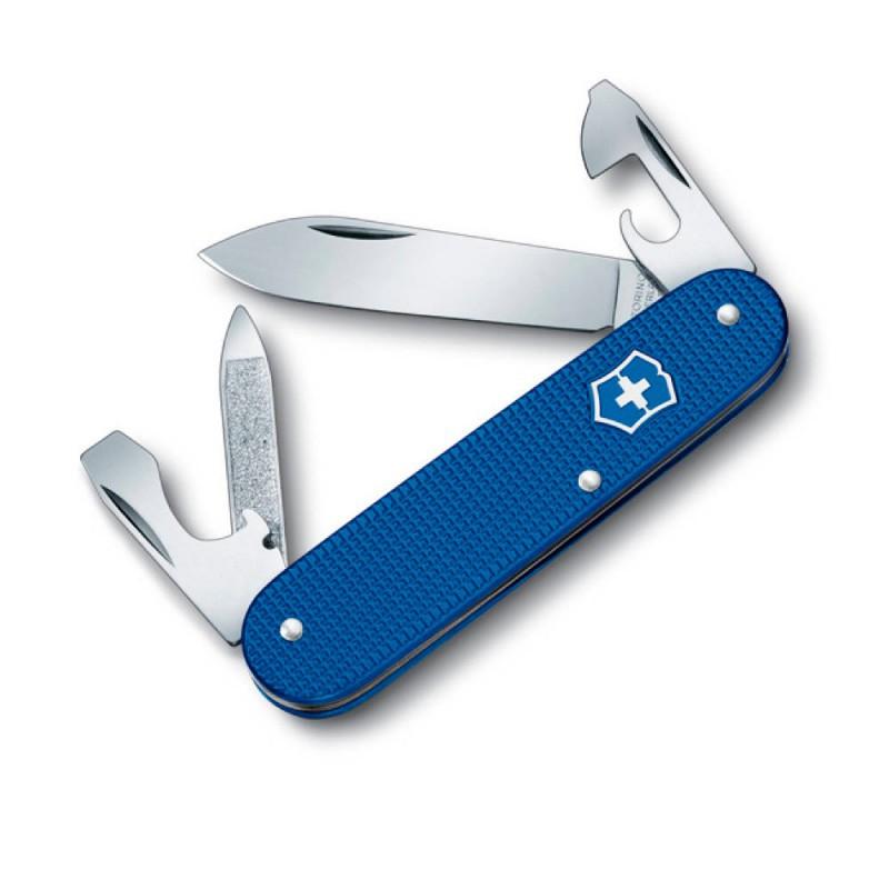 Нож перочинный Victorinox Cadet 0.2600.L1222 84мм 8 фнк с кожаным чехлом алюминиевая рукоять синийШвейцарские армейские ножи Victorinox<br>Перочинный нож Cadet 5 Colors это многофункциональный инструмент с набором из 8 функций.<br><br>Яркий представитель лимитированной коллекции перочинных ножей Cadet 5 Colors представляет собой практичный многофункциональный инструмент и в тоже время яркий модный аксессуар для любителей дизайнерских товаров. <br><br>Модель имеет алюминиевую рукоять с антискользящим покрытием и поставляется с коричневым чехлом из натуральной коровьей кожи.<br><br>Длина: 84 мм<br>Материал рукояти: алюминий<br>Цвет рукояти: синий<br>Набор функций:<br>Большое лезвие<br>Консервный нож с:<br>- малой отверткой<br>Пилка для ногтей с:<br>- инструментом для ухода за ногтями<br>Открывалка для бутылок с:<br>- отверткой<br>- инструментом для снятия изоляции.<br>Упаковка: стандартная, чехол в комплекте<br>
