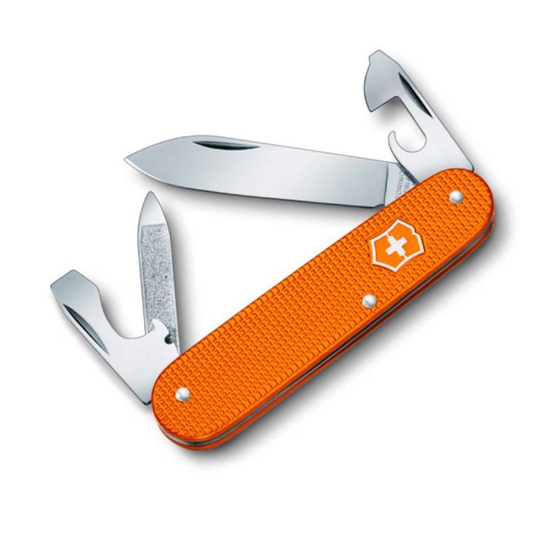Нож перочинный Victorinox Cadet 0.2600.L1229 84мм 8 фнк с кожаным чехлом алюмин. рукоять оранжевыйШвейцарские армейские ножи Victorinox<br>Перочинный нож Cadet 5 Colors это многофункциональный инструмент с набором из 8 функций.<br><br>Яркий представитель лимитированной коллекции перочинных ножей Cadet 5 Colors представляет собой практичный многофункциональный инструмент и в тоже время яркий модный аксессуар для любителей дизайнерских товаров. <br><br>Модель имеет алюминиевую рукоять с антискользящим покрытием и поставляется с коричневым чехлом из натуральной коровьей кожи.<br><br>Длина: 84 мм<br>Материал рукояти: алюминий<br>Цвет рукояти: оранжевый<br>Набор функций:<br>Большое лезвие<br>Консервный нож с:<br>- малой отверткой<br>Пилка для ногтей с:<br>- инструментом для ухода за ногтями<br>Открывалка для бутылок с:<br>- отверткой<br>- инструментом для снятия изоляции.<br>Упаковка: стандартная, чехол в комплекте<br>
