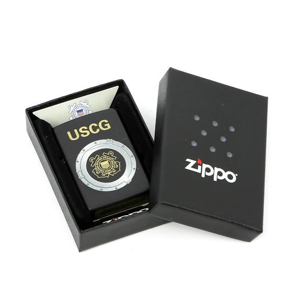 Фото 2 - Зажигалка ZIPPO USCG, латунь с покрытием Black Matte, черный, матовая, 36х12x56 мм