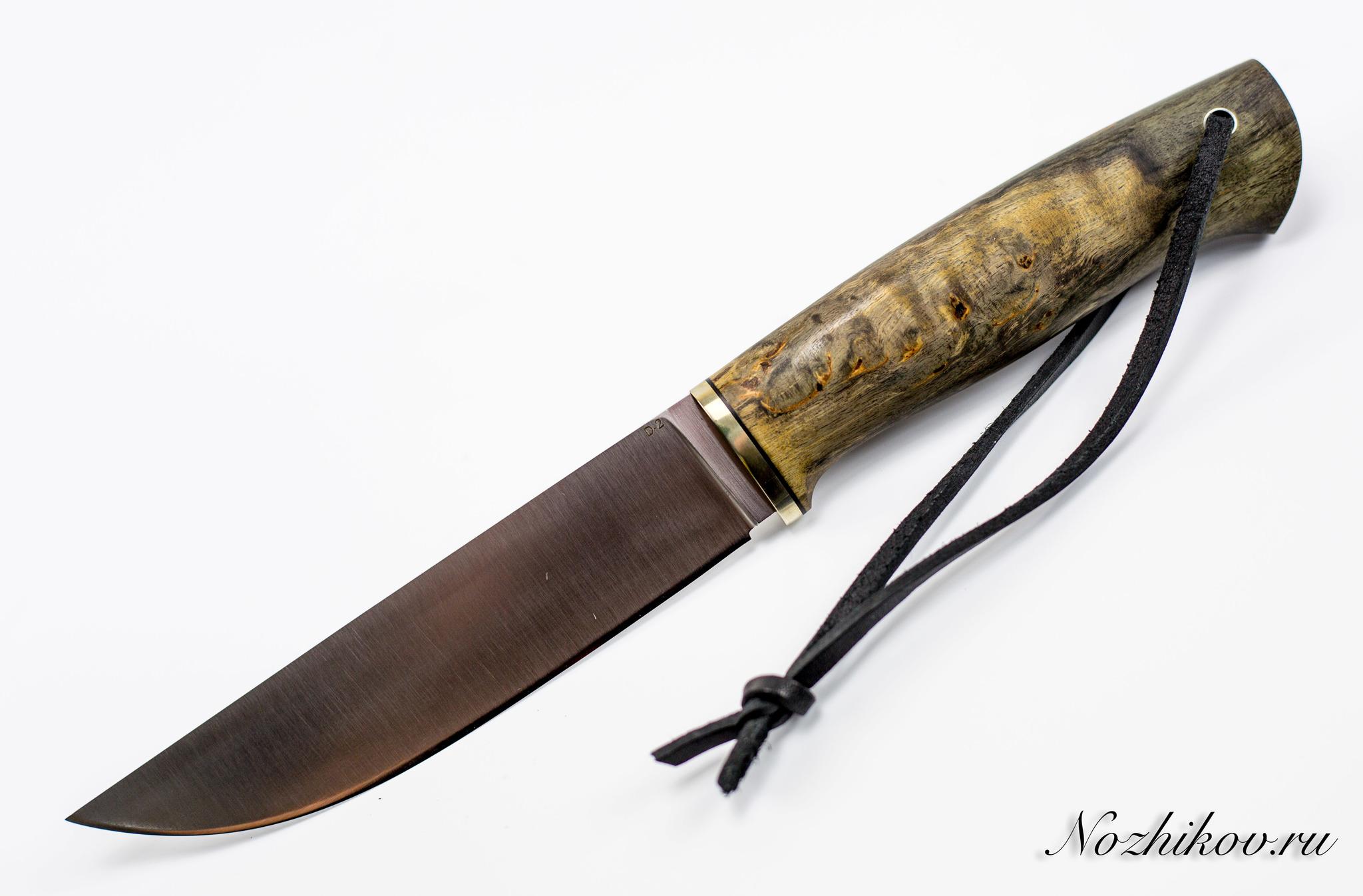 Нож Лиман-1, сталь D2, карельская березаНожи Староминск<br>«ЛИМАН» - универсальный нож. Изготавливается в ручную в различных модификациях, благодаря расширенным техническим характеристикам, указанным в информационном листе.<br>Ножи мастерской братьев Сандерс являются одними из лучших ножей России. Удачные формы и хорошая термообработка стали ставят их в ряд лучших производителей отечественных ножей. Концепция ножа выполнены в Скандинавском стиле, тонкое сведение и удобные рукояти ставят эти изделия ручной работы в разряд высшего класса. Каждый нож укомплектован формованными ножнами из натуральной кожи. Ножны сделаны для каждого ножа индивидуально. Рукояти как правило исполнены из ценных пород стабилизированной древесины<br><br>Нож ручной работы. Допустима погрешность длины клинка до +\- 5 мм.<br>