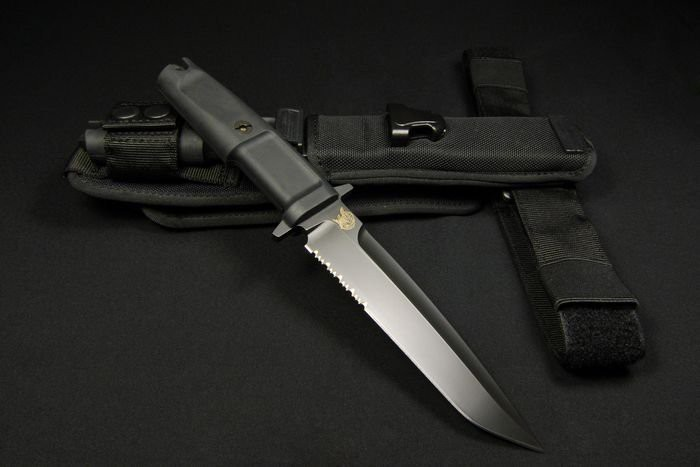 Фото 3 - Нож с фиксированным клинком Extrema Ratio Dobermann III Black (Soft Nylon Sheath), сталь Bhler N690