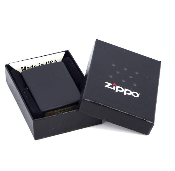 Фото 3 - Зажигалка ZIPPO Classic с покрытием Black Crackle™, латунь/сталь, чёрная, матовая, 36x12x56 мм