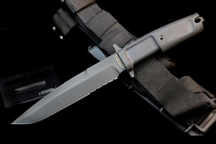 Нож с фиксированным клинком Dobermann III Black (Soft Nylon Sheath)Охотнику<br>Нож с фиксированным клинком Dobermann III Black (Soft Nylon Sheath), клинок классический черный, 1/3 серейтер, рукоять черный прорезиненый пластик, чехол черный, кордура.<br>