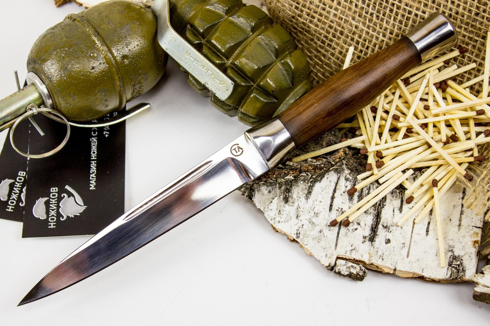 Нож Горец-3М, сталь 95х18Ножи разведчика НР, Финки НКВД<br>Эта модель выполнена по мотивам дагестанских ножей, которые до сих пор используются коренным населением. Главной особенностью такого ножа является клинок симметричной формы с острым кончиком и высокими спусками. Такая геометрия хорошо работает по продуктам и при строгании древесины. Рукоять ножа имеет элегантную бочкообразную форму, что делает нож похожим на изящные средневековые стилеты. Такая форма рукояти позволяет уверенно наносить колющие и рубящие удары. Нож можно порекомендовать всем, кто подыскивает вариант для пикников и несложных походов.<br>