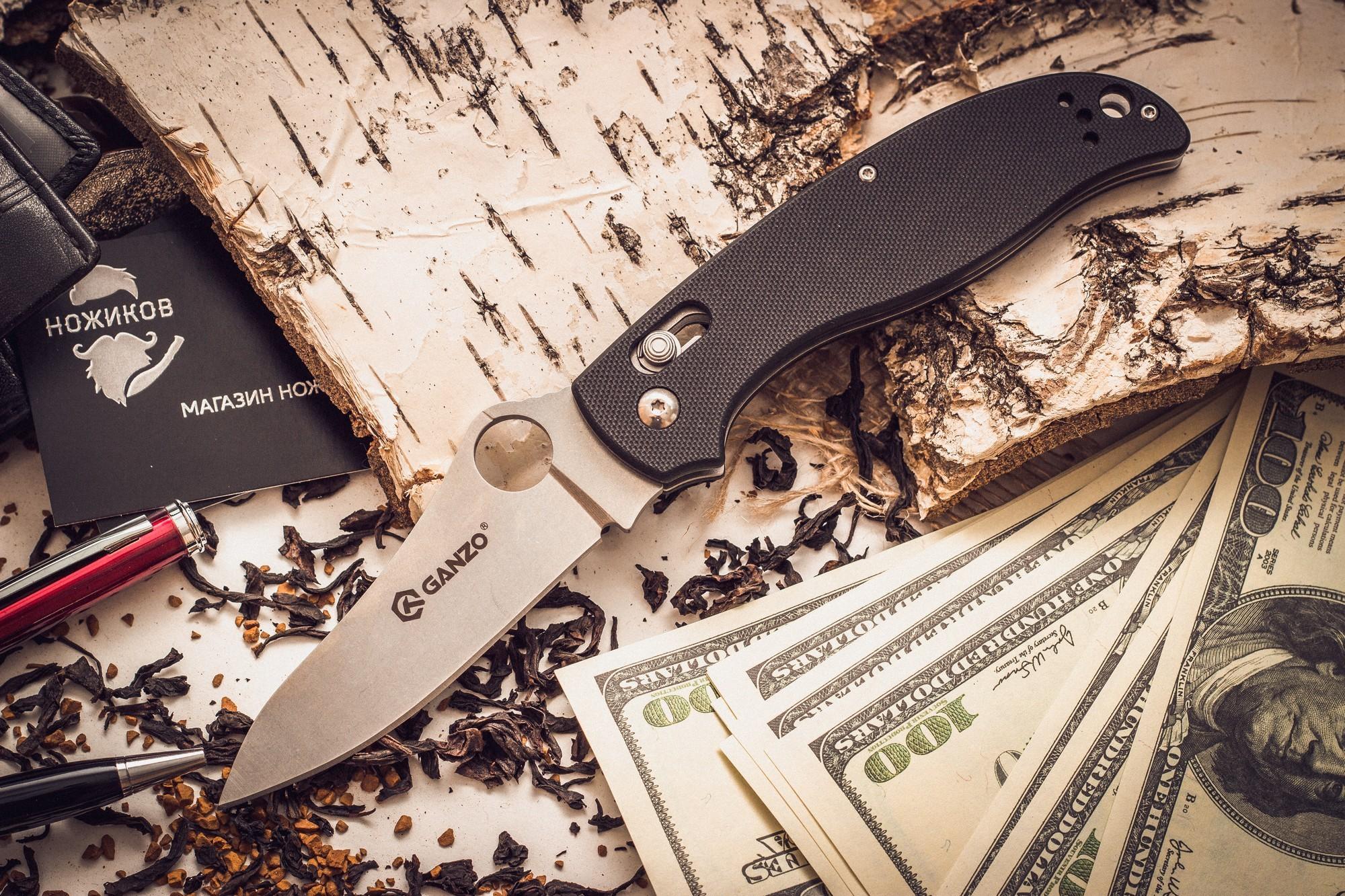 Складной нож Ganzo G733, черныйРаскладные ножи<br>Если вы до сих пор мечтаете о ноже от компании Спайдерко, мы рекомендуем обратить внимание на модель GANZO G733, ЧЕРНЫЙ. Перед вами точная реплика известного ножа, которая полностью соответствует оригиналу. За разумные деньги вы получаете нож высокого качества, произведенный на серийном оборудовании. Чтобы использование ножа было легким и приятным, производитель установил замок аксис-лок, который жестко фиксирует клинок в раскрытом положении. Для увеличения срока службы клинок подвергнут специальной обработке, которая уменьшает количество царапин.<br>