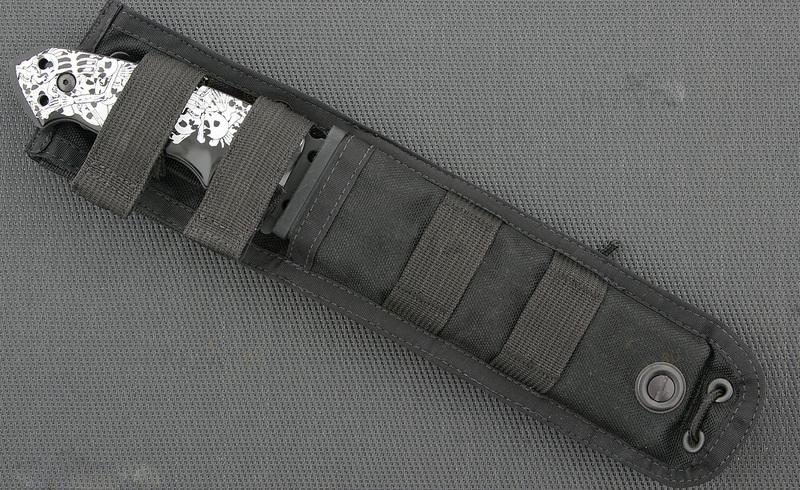 Фото 3 - Нож с фиксированным клинком Hogue EX-F01 Custom Skulls & Bones, сталь A2 Tool Steel Black Ceracote, рукоять ABS-пластик