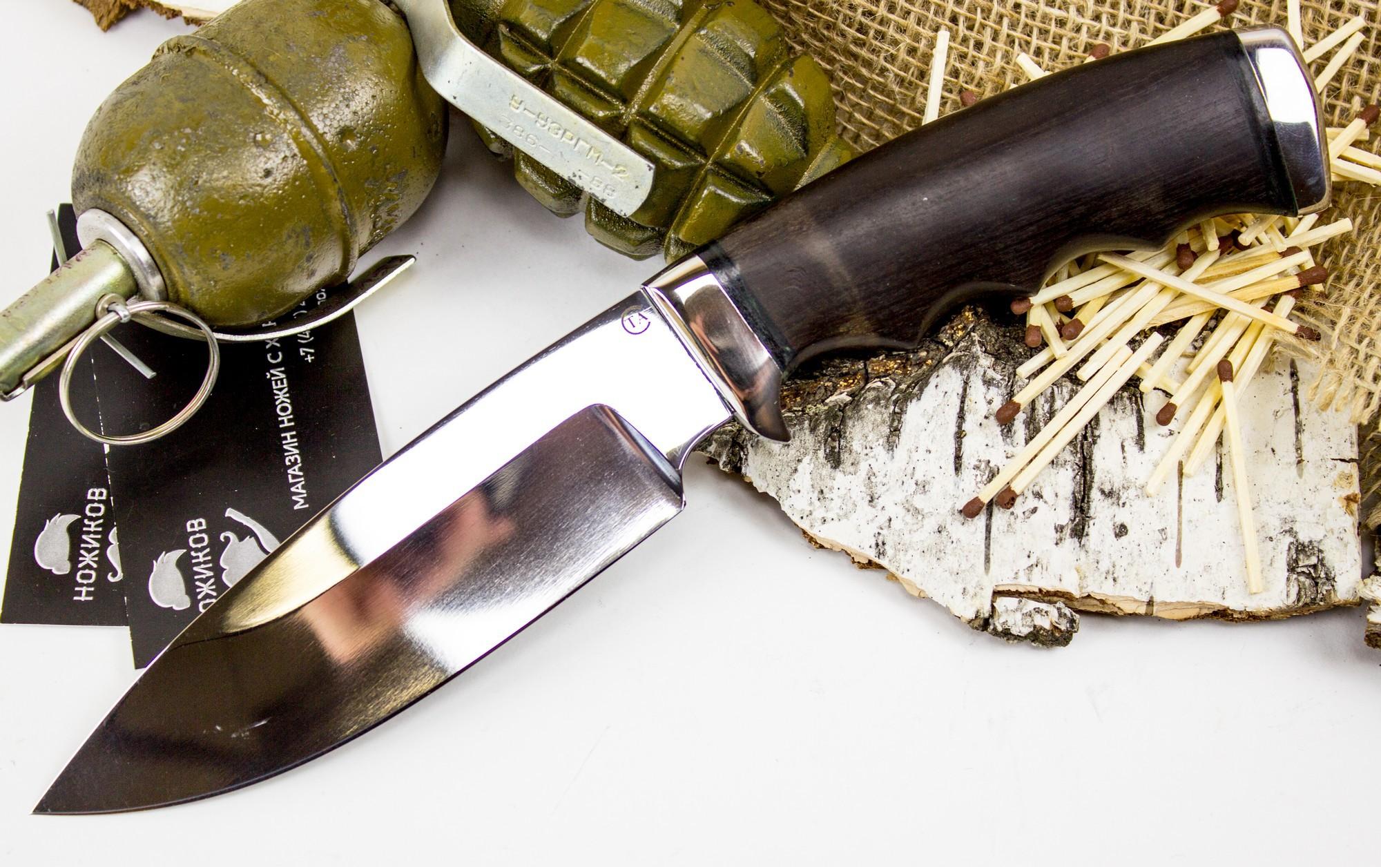 Нож Барсук-1, сталь 95х18Ножи Ворсма<br>Нож Барсук обладает широким функционалом, который пригодится в поле или в лесу. Сразу обращает на себя внимание продуманная эргономика этой модели. Нож имеет ниспадающий кончик, который находится ниже точки приложения силы при уколе. Таким ножом удобно разделывать добычу и аккуратно снимать шкуру. Рукоять ножа оснащена подпальцевым выемками под каждый палец. Такая особенность гарантирует точную передачу усилия от руки к режущей кромке. Тыльная часть ножа выполнена из стали. При необходимости, ее можно использовать в качестве ударного элемента.<br>