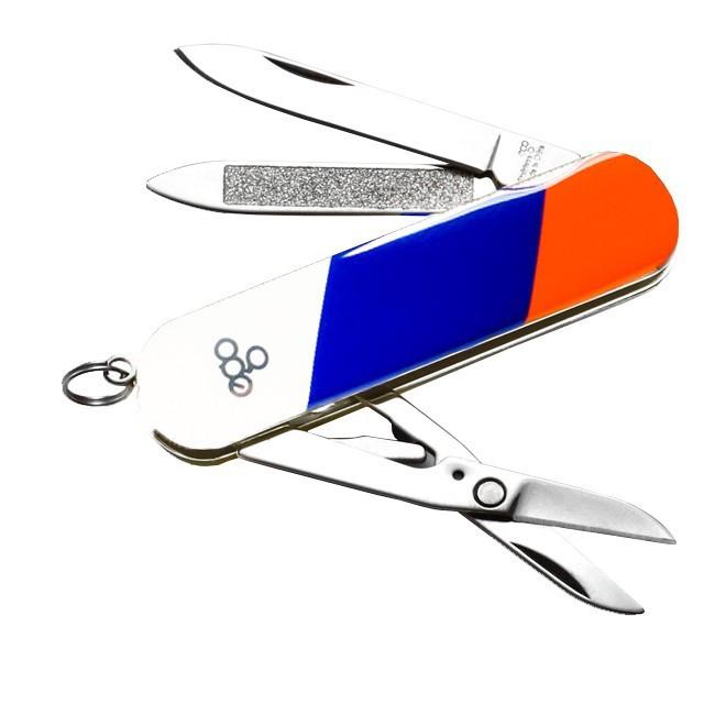 Нож Ego tools ТриколорРаскладные ножи<br>EGO Tools A03 триколор — классический представитель туристических складных ножей с оптимальным набором полезных инструментов. Набор доступных функций определяется заложенным инструментарием, который включает в себя: основной клинок, ножницы, пилочку, пинцет, зубочистку и крепёжное кольцо.<br>
