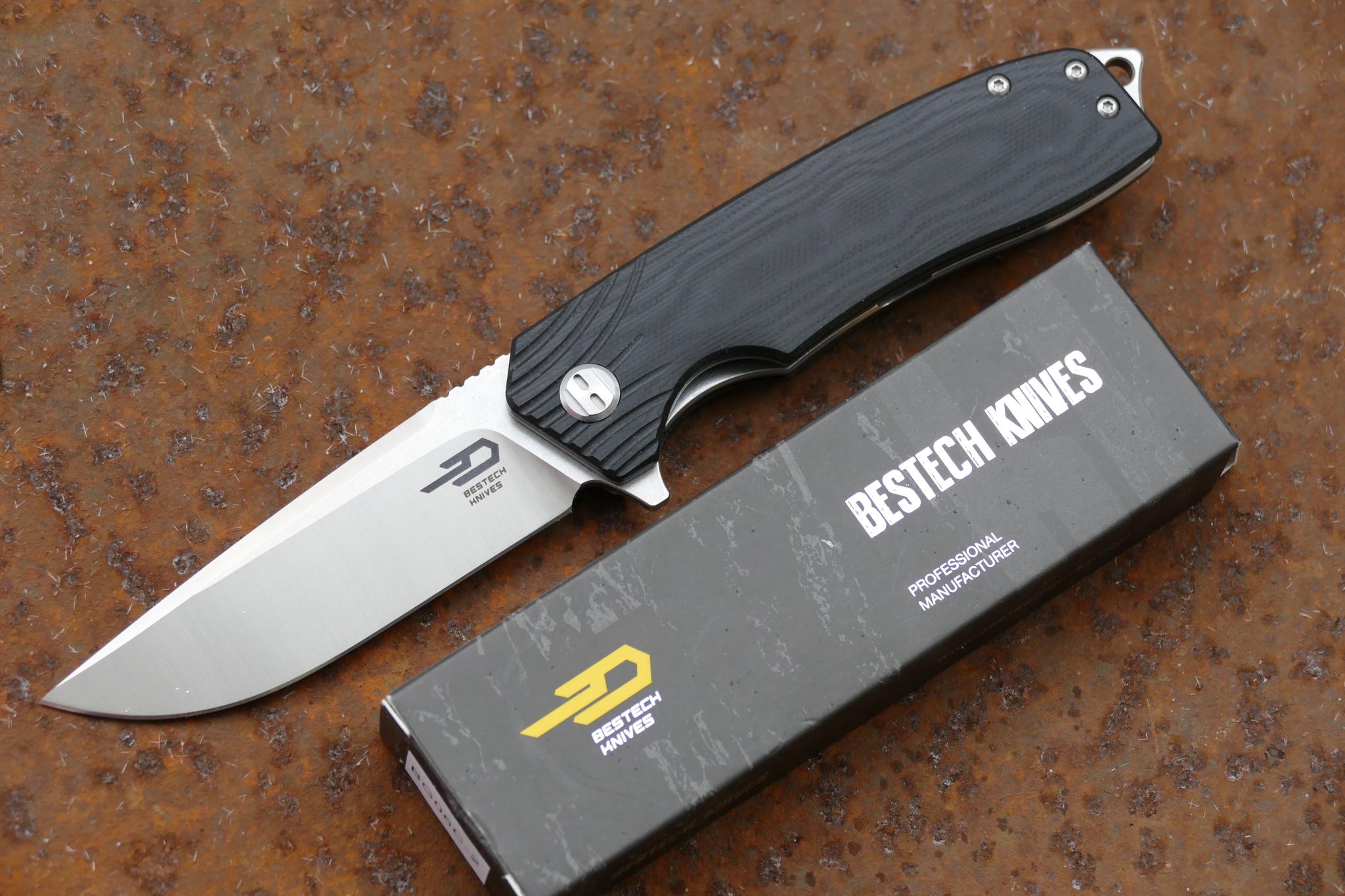 Складной нож Bestech Lion, D2Раскладные ножи<br>марка стали: D2твёрдость: 60-61длина общая: 208 ммдлина клинка: 86 ммширина клинка наибольшая: 26 ммтолщина обуха: 3.2 ммподшипниквес: 134гр<br>