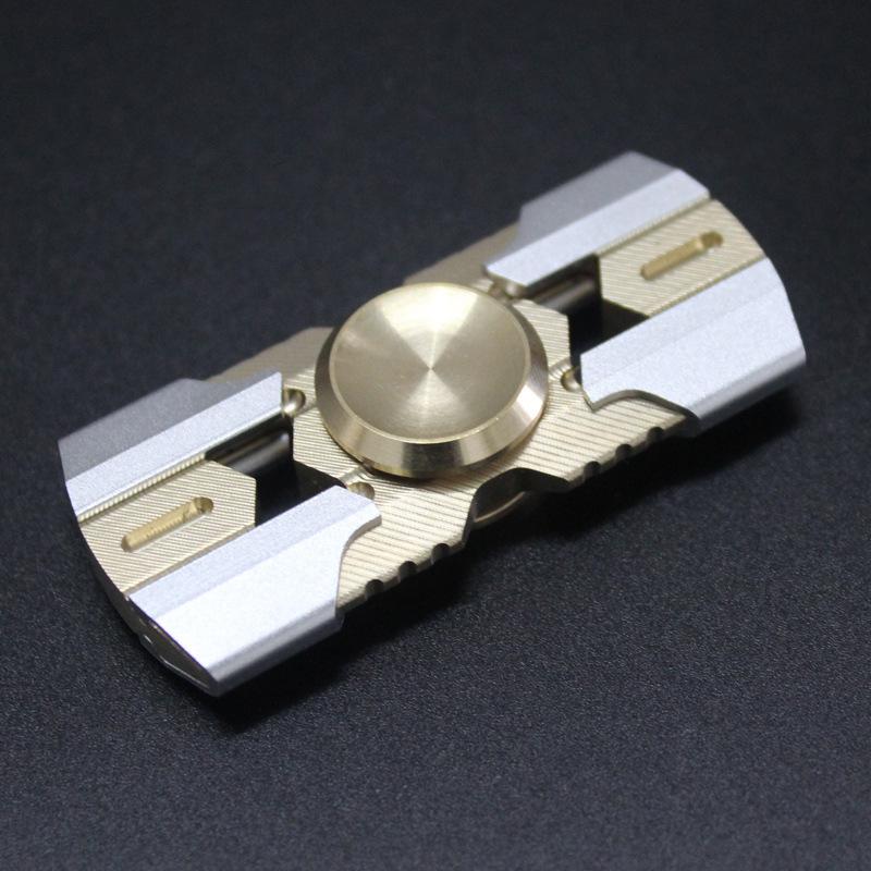 Коллекционный спиннер (Hand Spinner) White SpaceВоенному<br>Размер изделия: 60*27*23 мм<br>Вес нетто: 56 г<br>