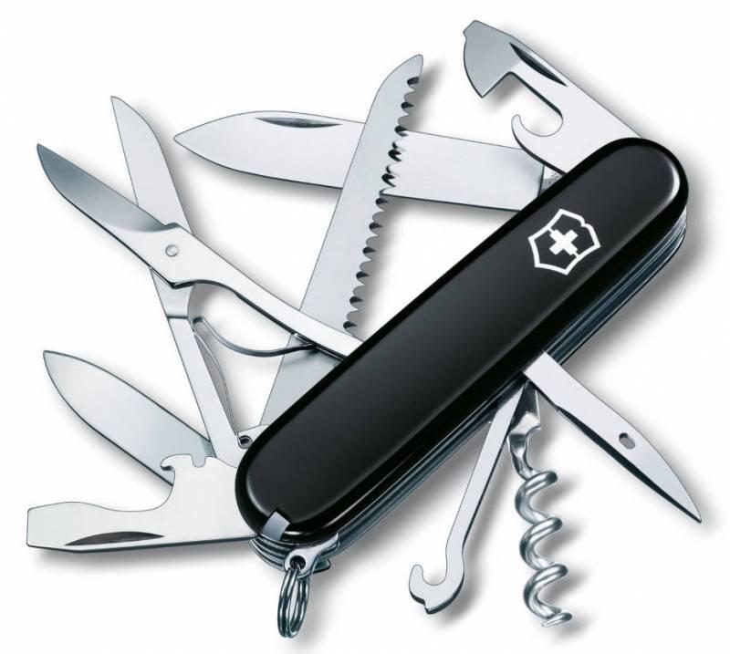 Нож перочинный Victorinox Huntsman 1.3713.3 91мм 15 функций черныйШвейцарские армейские ножи Victorinox<br>Офицерский нож HUNTSMAN – это многофункциональный инструмент с набором из 15 функций: Большое лезвие Малое лезвие Штопор Консервный нож с: – Малой отверткой (также для винта с крестообразным шлицем) Открывалка для бутылок с: – Отверткой – Инструментом для снятия изоляции Шило, кернер Кольцо для ключей Пинцет Зубочистка Ножницы Многофункциональный крючок Пила по дереву Длина: 91 мм<br>