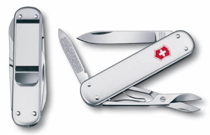 Нож перочинный Victorinox Money Clip 0.6540.16 74мм 5 функций серебристыйШвейцарские армейские ножи Victorinox<br>Серия Элегантные карманные инструменты<br><br>Карманный нож Money Clip - это многофункциональный инструмент с набором из 5 функций: <br>Лезвие<br>Ножницы<br>Зажим для купюр<br>Пилка для ногтей с:<br>- Инструментом для ухода за ногтями<br>Длина: 74 мм<br>Цвет: Металлический<br>