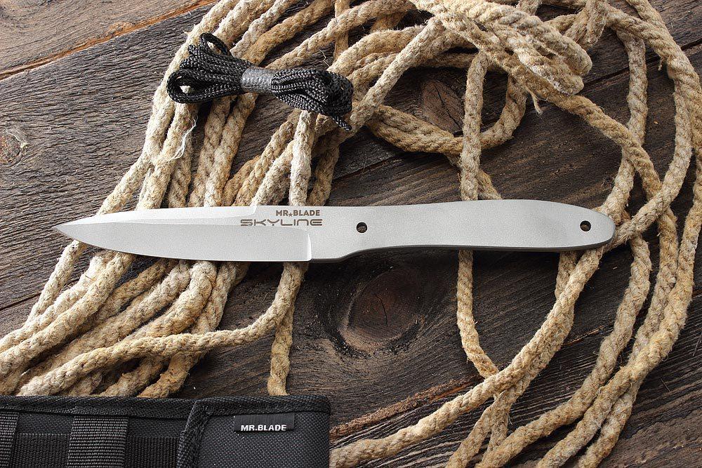 Нож для метания Skyline420<br>Нож для бросков в мишеньSkyline<br>ОБЩИЕ ХАРАКТЕРИСТИКИОбщая длина 278 ммШирина клинка 28 ммТолщина клинка 5,5 ммВес ножа 235 гСталь AISI 420 steel<br>КОМПЛЕКТАЦИЯ:СертификатФирменная упаковкаМишеньШнурИнструкция<br>Сделанов России<br>