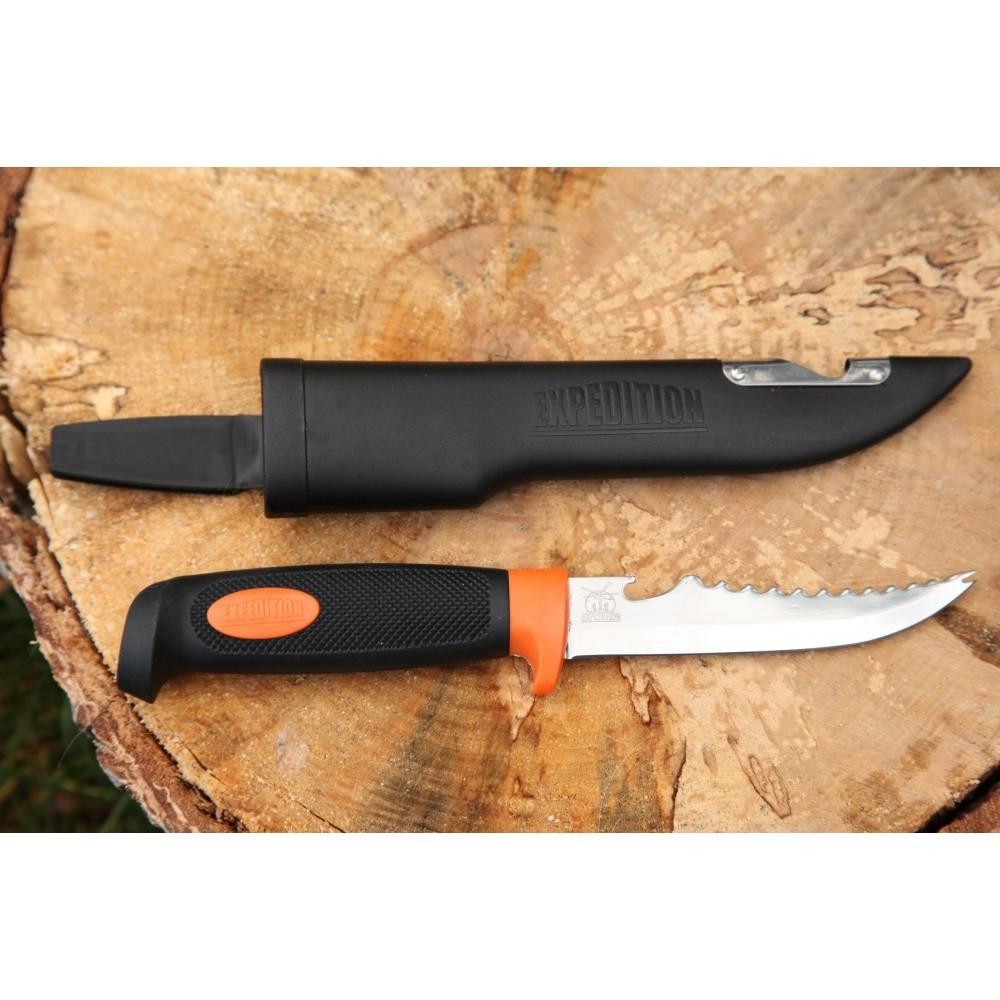 Нож рыбакаРыбацкие ножи<br>Если мужчина не любит рыбалку, значит он просто не был на ней с профессиональным ножом рыбака. Этот нож для рыбалки способен открыть и перед дилетантом, и перед состоявшимся профи весь процесс рыбной ловли совершенно с новой стороны. Аксессуар объединяет в себе все самые важные функции, которые могут понадобиться Вам в увлекательном процессе рыбалки. Нож укомплектован экстрактором для удобного извлечения крючка и специальной гребенкой для очистки чешуи, а также открывалкой для бутылок и удобными пластиковыми ножнами. Ведь у профессионального рыбака все должно быть под рукой!Если Вы решите купить нож для рыбака Экспедиция в подарок – Вы несомненно преподнесете мужчине лучший сюрприз в мире!Торопитесь заказать нож рыбака по великолепной цене!<br>