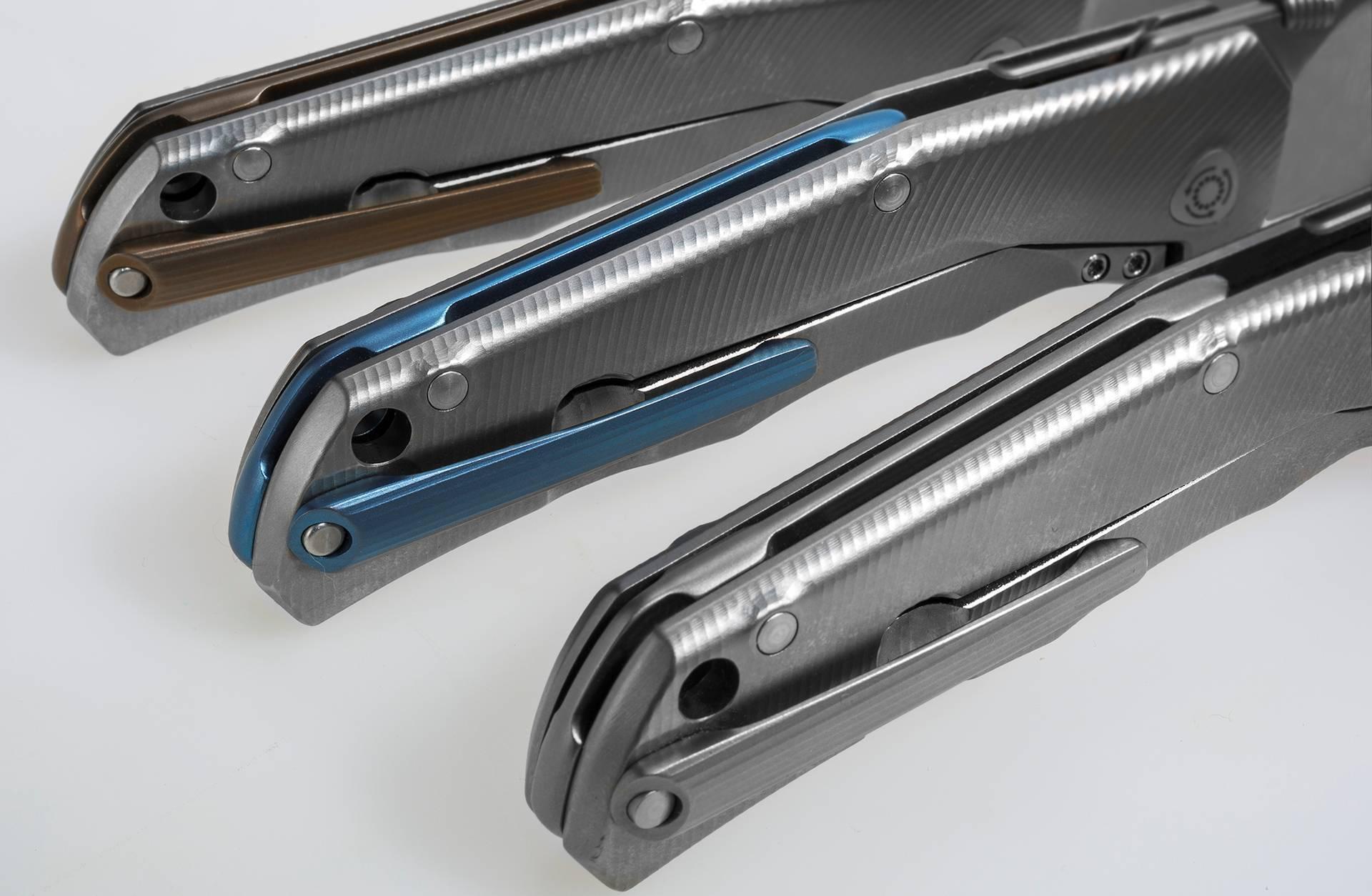 Фото 2 - Нож складной T.R.E. BR - Three Rapid Exchange (IKBS® Flipper), Matte Titanium Handles, Bronze Accents от Lion Steel