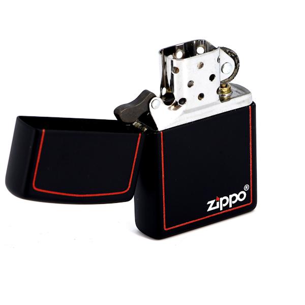 Фото 2 - Зажигалка ZIPPO Classic с покрытием Black Matte, латунь/сталь, чёрная с лого, матовая, 36x12x56 мм