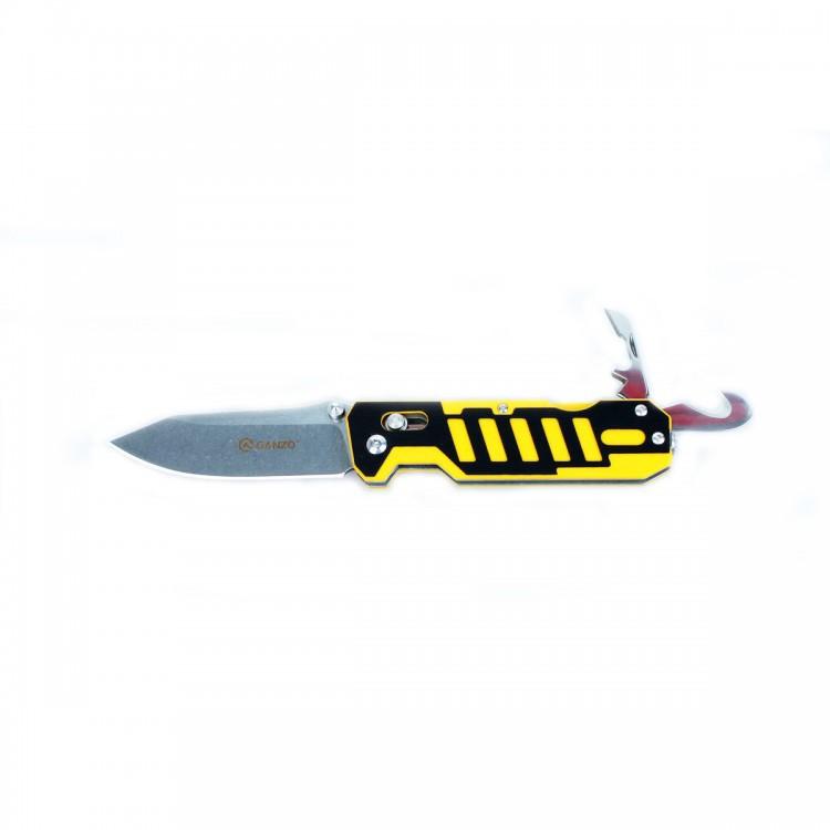 Нож Ganzo G735 черно-желтыйРаскладные ножи<br>Компания Ganzo презентовала мультифункциональный нож Ganzo G735 с расширенным набором инструментов, который ориентирован на спасателей и всех любителей экстремальных видов спорта и отдыха на природе. Впрочем, рыбакам и охотникам он тоже будет интересен.<br>Клинок ножа, как и другие инструменты, изготовлен из качественной нержавеющей стали с маркировкой 440С. Это нержавеющая сталь с высоким уровнем антикоррозийных свойств. Твердость закалки сплава составляет +-58HRC. Таким образом, эта сталь долго держит острую заточку режущей кромки и может использоваться в условиях повышенной влажности.<br>
